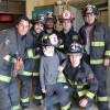 Bomberos de tres Compañías visitan a pequeño héroe local en Hospital Gustavo Fricke