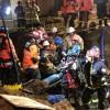 Equipos de rescate de Bomberos Viña del Mar lograron sacar a trabajador atrapado por deslizamiento de tierra en Reñaca