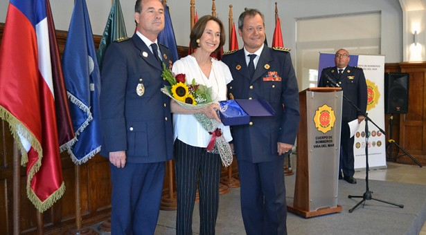 Cuerpo de Bomberos de Viña del Mar realiza lanzamiento de Libro que relata los 135 años de Historia de la entidad bomberil viñamarina